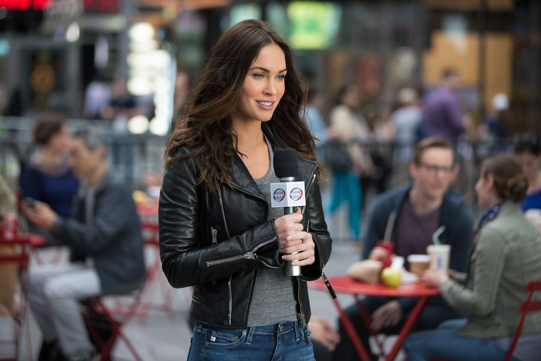 Die Reporterin April (Megan Fox) macht die Turtels auf eine schreckliche Entdeckung aufmerksam, denn das Böse scheint mächtiger zu werden ... - Bildquelle: Jessica Miglio 2018 Paramount Pictures. All Rights Reserved. TEENAGE MUTANT NINJA TURTLES is a trademark of Viacom International Inc.