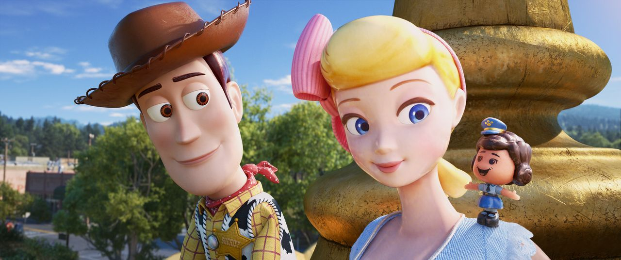 (v.l.n.r.) Woody; Porzellinchen; Giggle McDimples - Bildquelle: 2019 Dinsey/Pixar. All Rights Reserved.