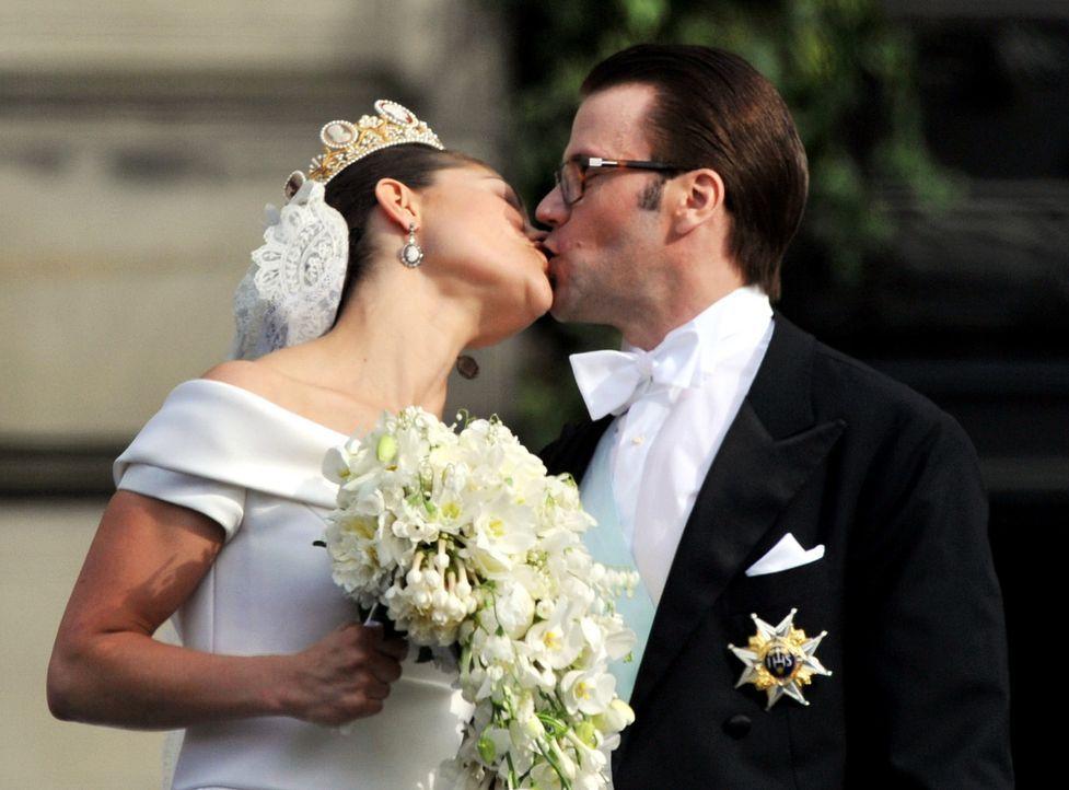 Hochzeit-Kronprinzessin-Victoria-von-Schweden-Prinz-Daniel-10-06-19-1-dpa - Bildquelle: dpa