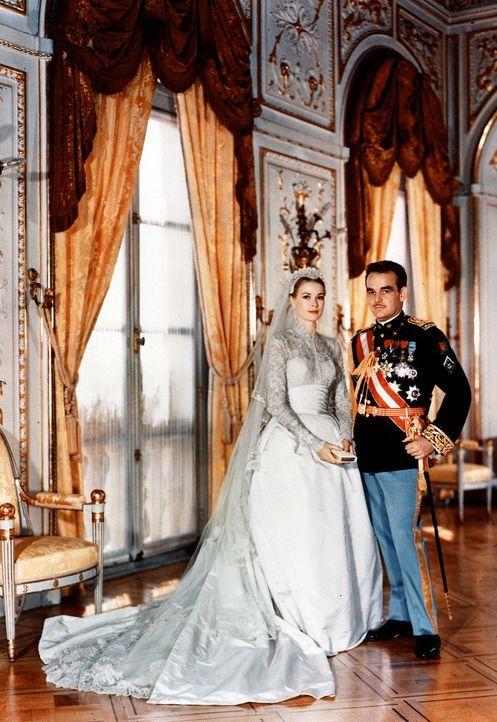 Hochzeit-Fuerst-Rainier-III-von-Monaco-Grace-Kelly-1956-04-19-1-dpa - Bildquelle: dpa