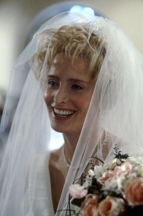 Biestig: Clarice (Jane Sibbett) will endlich mit Roger vor den Altar, dafür ist ihr keine Intrige zu böse ... - Bildquelle: Warner Bros.