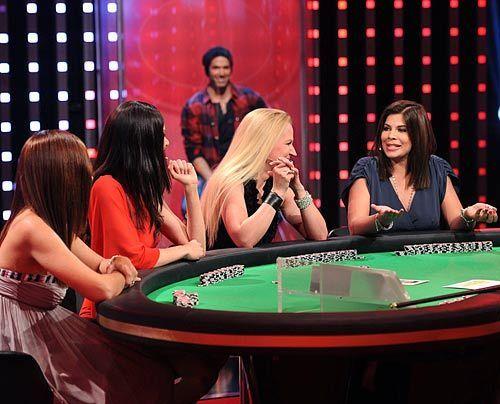 Wenn vier Frauen Poker spielen: Jana Ina, Kate, Claudia Wendler und Indira. - Bildquelle: - SAT 1 Willi Weber