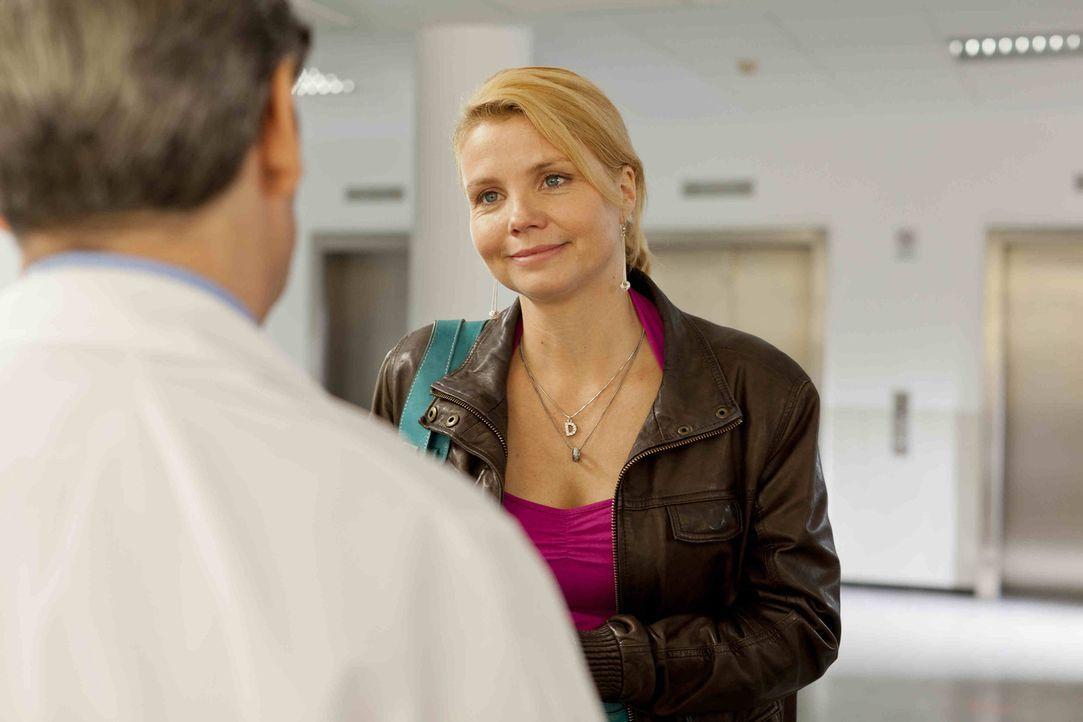 Ein neuer Fall beschäftigt Danni Lowinski (Annette Frier) ... - Bildquelle: SAT.1