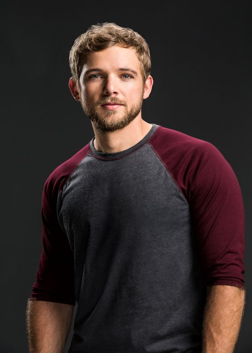 Max Thieriot ist Clay Spenser