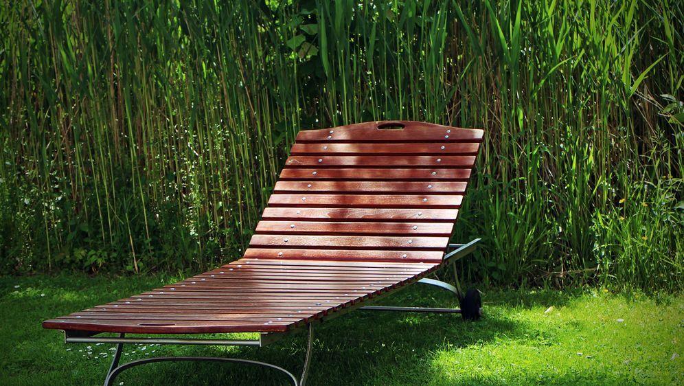 Berühmt Gartenliege selber bauen oder kaufen - SAT.1 Ratgeber HH91