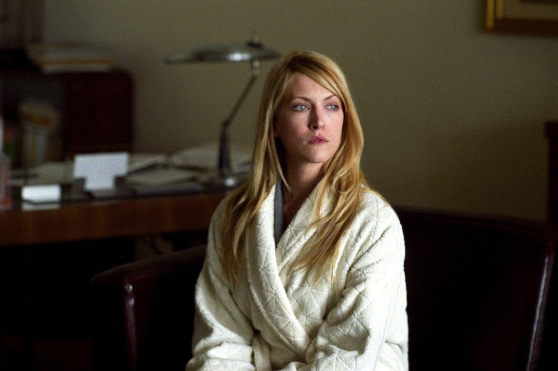 Um seine Karriere zu retten, macht sich Tishs (Lori Heuring) Verlobter David auf die Suche nach dem Erpresser. Doch plötzlich ist auch David spurlo... - Bildquelle: 2005 Sony Pictures Home Entertainment Inc. All Rights Reserved.