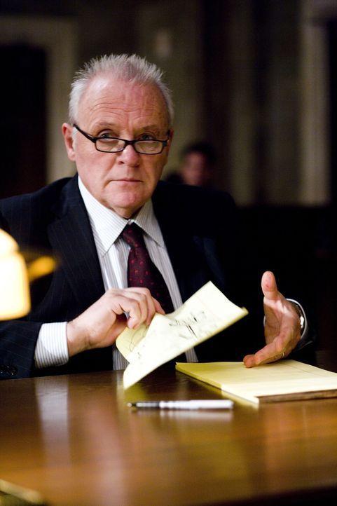 Als Ted Crawford (Anthony Hopkins) herausfindet, dass seine deutlich jüngere Frau Jennifer ihn mit dem Polizisten Rob Nunally betrügt, plant er das... - Bildquelle: Warner Brothers
