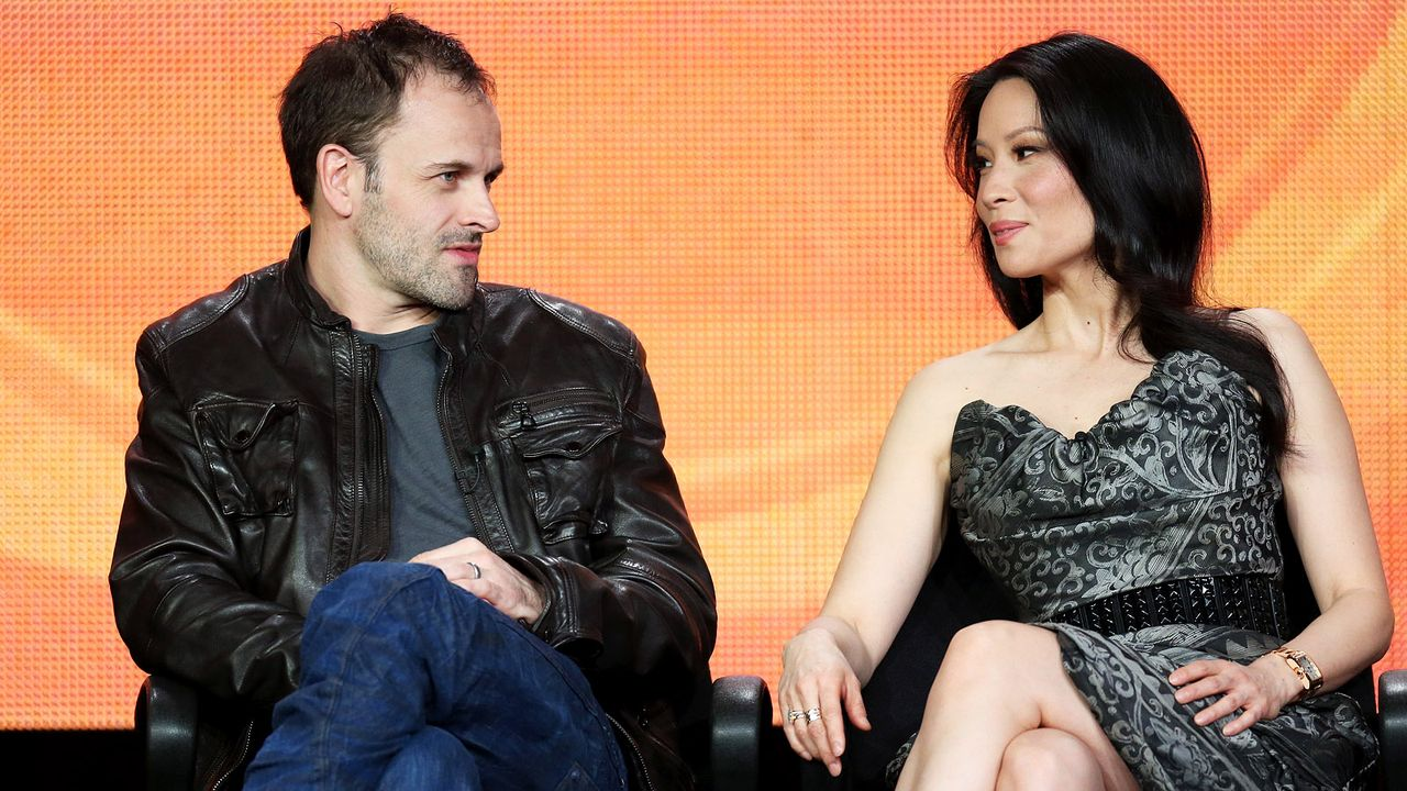 Jonny-Lee-Miller-Lucy-Liu-13-01-12-getty-AFP - Bildquelle: getty-AFP