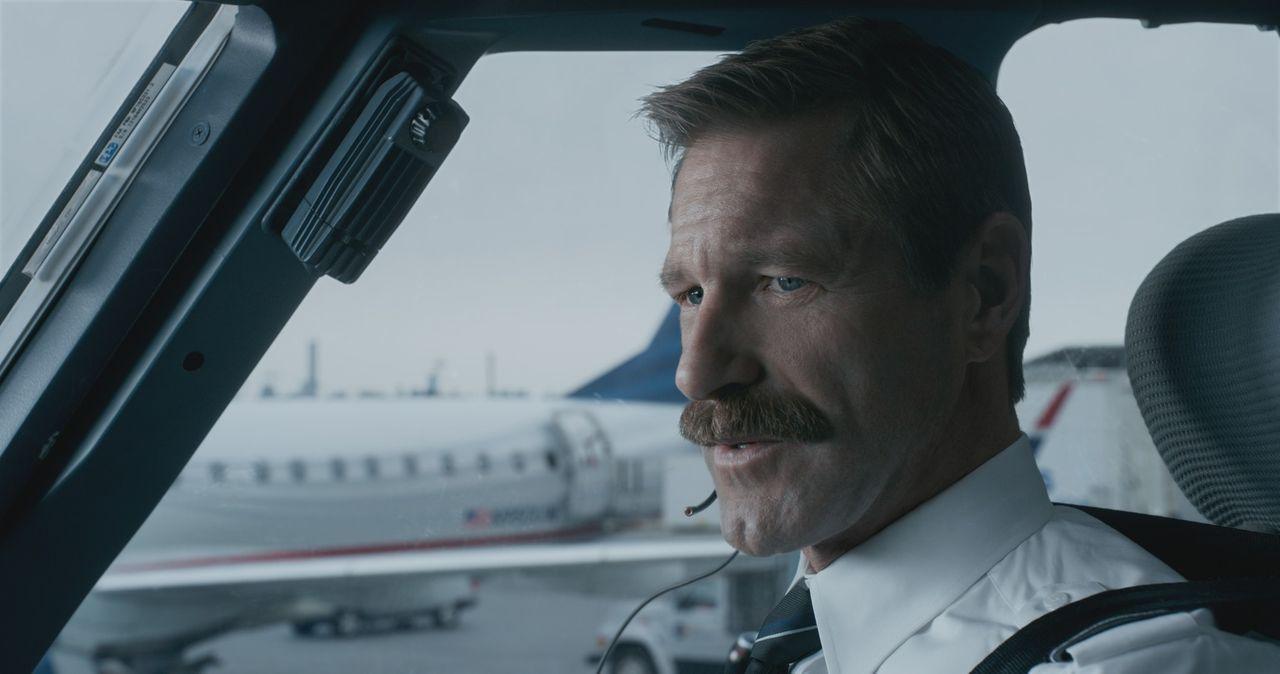 Jeff Skiles (Aaron Eckhart) - Bildquelle: Warner Bros.