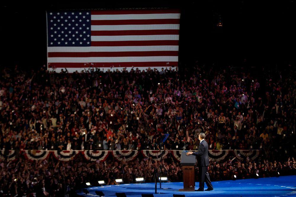 Barack Obama spricht große Worte vor einer beeindruckenden Kulisse. - Bildquelle: dpa - Bildfunk +++ Verwendung nur in Deutschland