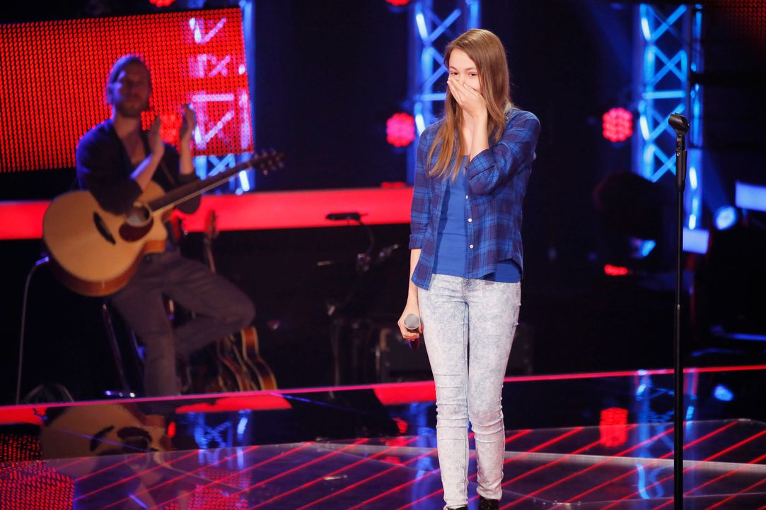 The-Voice-Kids-s04e02-Lara-B-SAT1-Richard-Huebner - Bildquelle: © SAT.1/ Richard Hübner
