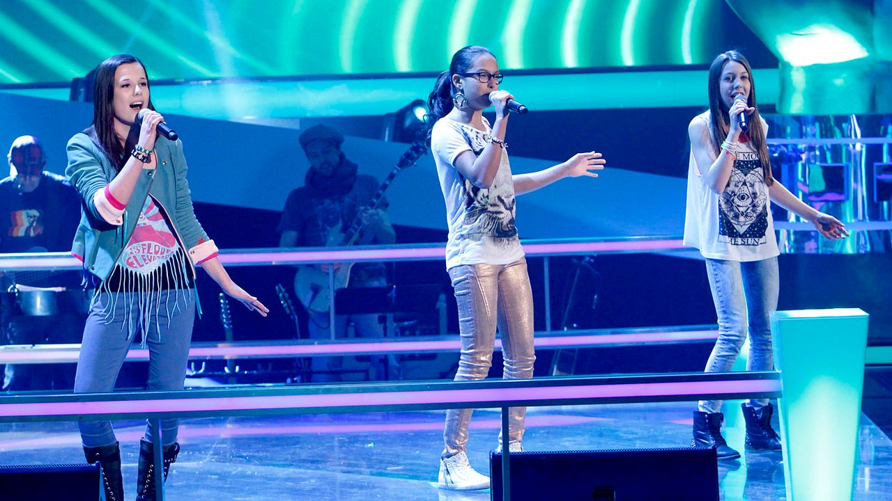 The-Voice-Kids-epi05-Iman-Maira-Malin-1-SAT1-Richard-Huebner - Bildquelle: SAT.1/Richard Hübner