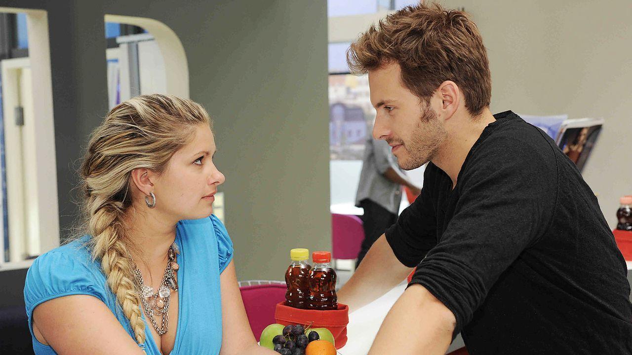 Anna-und-die-Liebe-Folge-549-03-SAT1-Christoph-Assmann - Bildquelle: SAT.1/Christoph Assmann
