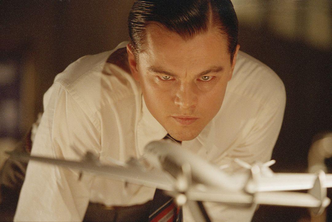 Mit bereits 18 Jahren Erbe der Firma seines Vaters, zieht es Howard Hughes (Leonardo DiCaprio) von Texas nach Hollywood. Dank seines alten Vermögens... - Bildquelle: Miramax International