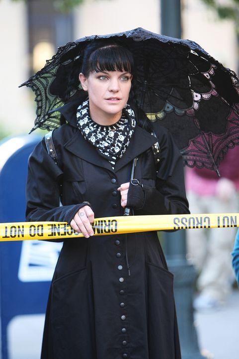 Steht vor einem Rätsel: Nachdem Special Agent Patterson Abby (Pauley Perrette) ein Gemälde geschickt hat, wird er erschossen aufgefunden. Das NCIS T... - Bildquelle: CBS Television