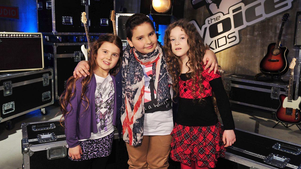 The-Voice-Kids-Stf02-Epi05-Salvatore-Larissa-EmmieLee-32-SAT1-Andre-Kowalski - Bildquelle: SAT.1/Andre Kowalski