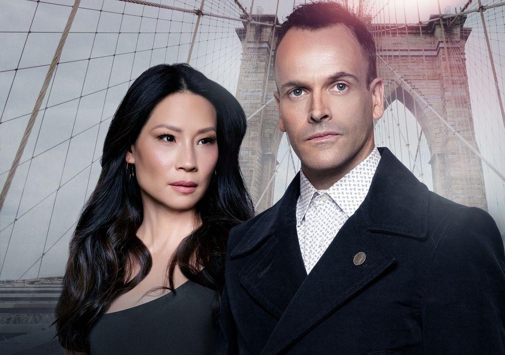 (5. Staffel) - Ein eigensinniges Ermittlerteam in New York: Sherlock Holmes (Jonny Lee Miller, r.) und Joan Watson (Lucy Liu, l.) ... - Bildquelle: Justin Stephens 2014 CBS Broadcasting Inc. All Rights Reserved.