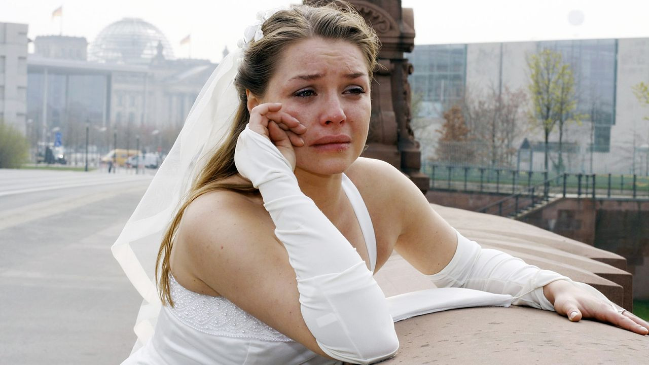 anna-und-die-liebe-Folge-202-06-SAT1-Noreen-Flynn - Bildquelle: Sat.1/Noreen Flynn