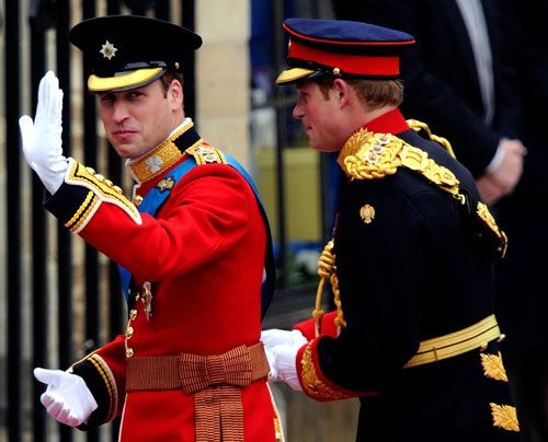 William-Kate-Westminster-Abbey-william-and-harry2-11-04-29-500_404_AFP - Bildquelle: AFP
