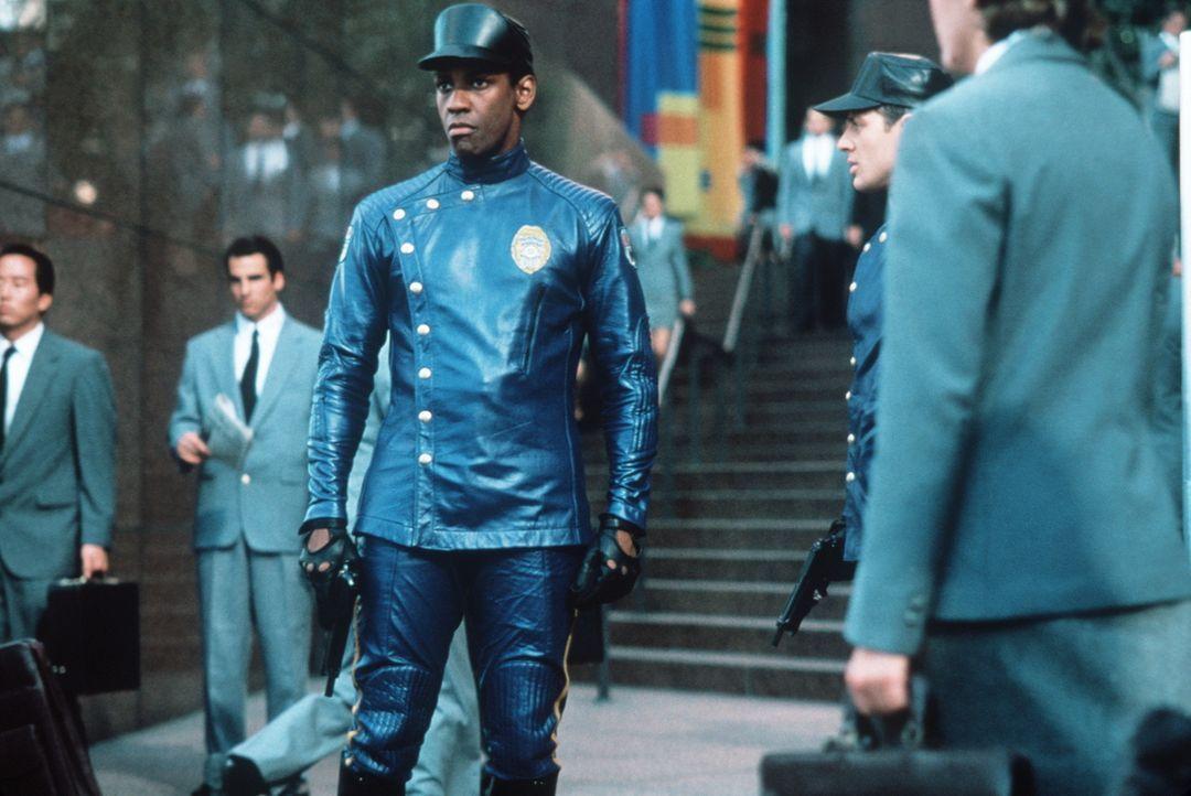 Ex-Cop Parker Barnes (Denzel Washington, M.) erhält einen schwierigen Auftrag zugewiesen: Er soll sich mit einem virtuell erzeugten Killer herumschl... - Bildquelle: Paramount Pictures