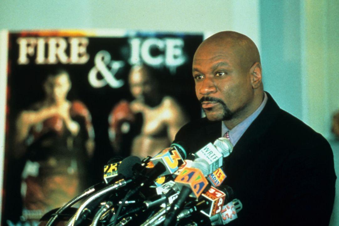 """Noch kann Schwergewichtsweltmeister James """"Iceman"""" Chambers (Ving Rhames) das Leben in vollen Zügen genießen. Doch dann wird er beschuldigt, eine... - Bildquelle: Miramax Films"""
