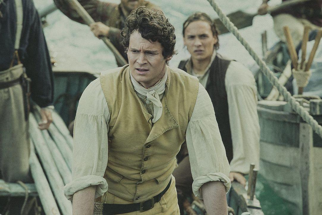 Den Warnungen vor einem gefährlichen weißen Riesenpottwal trotzend, steuert die Crew um Kapitän Pollard (Benjamin Walker) ins Verderben ... - Bildquelle: Warner Bros.