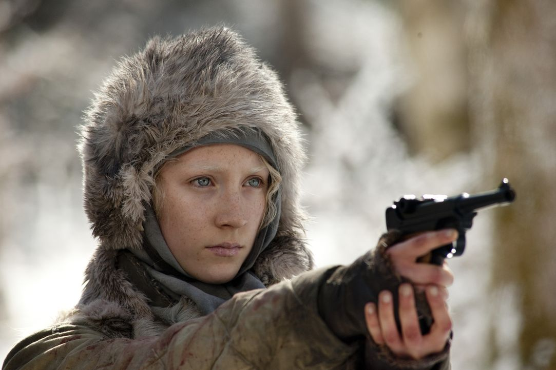 Ist zwar noch ein Teenager, aber verfügt bereits über die Stärke, Ausdauer und Fähigkeiten eines Soldaten: die 16-jährige Hanna (Saoirse Ronan) ...... - Bildquelle: 2011 Focus Features LLC. All Rights Reserved.