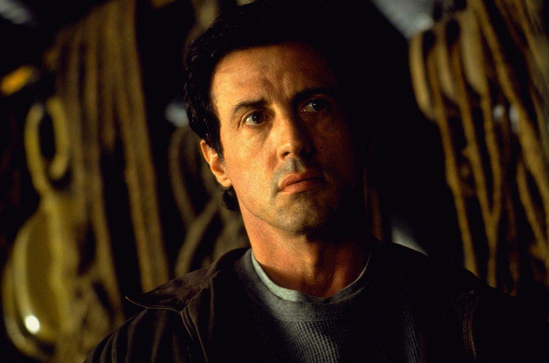 Wird er sein Leben wieder in den Griff bekommen? FBI-Agent Jake Malloy (Sylvester Stallone) fällt es schwer, daran zu glauben. - Bildquelle: Universal Pictures
