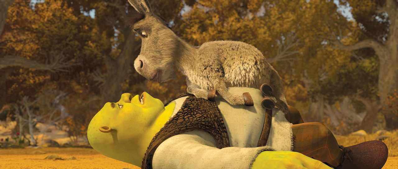 Kann sein quirliger Freund Esel (oben) Shrek (unten) aus der Patsche helfen? - Bildquelle: 2012 DreamWorks Animation LLC. All Rights Reserved.
