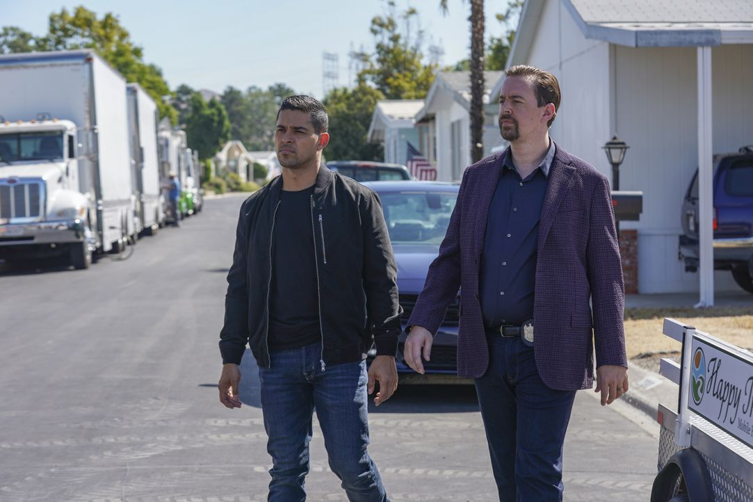 Nick Torres (Wilmer Valderrama, l.); Timothy McGee (Sean Murray, r.) - Bildquelle: Sonja Flemming 2019 CBS Broadcasting, Inc. All Rights Reserved. / Sonja Flemming