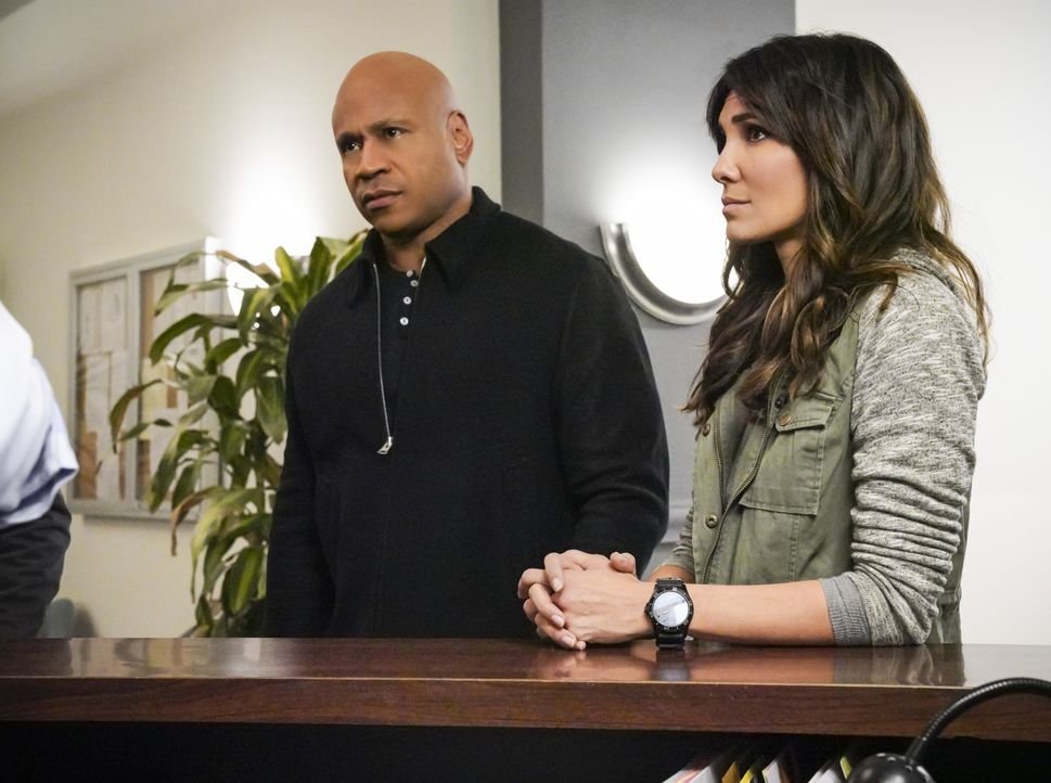 Sam Hanna (LL Cool J, l.); Kensi Blye (Daniela Ruah, r.) - Bildquelle: Bill Inoshita 2019 CBS Broadcasting, Inc. All Rights Reserved. / Bill Inoshita