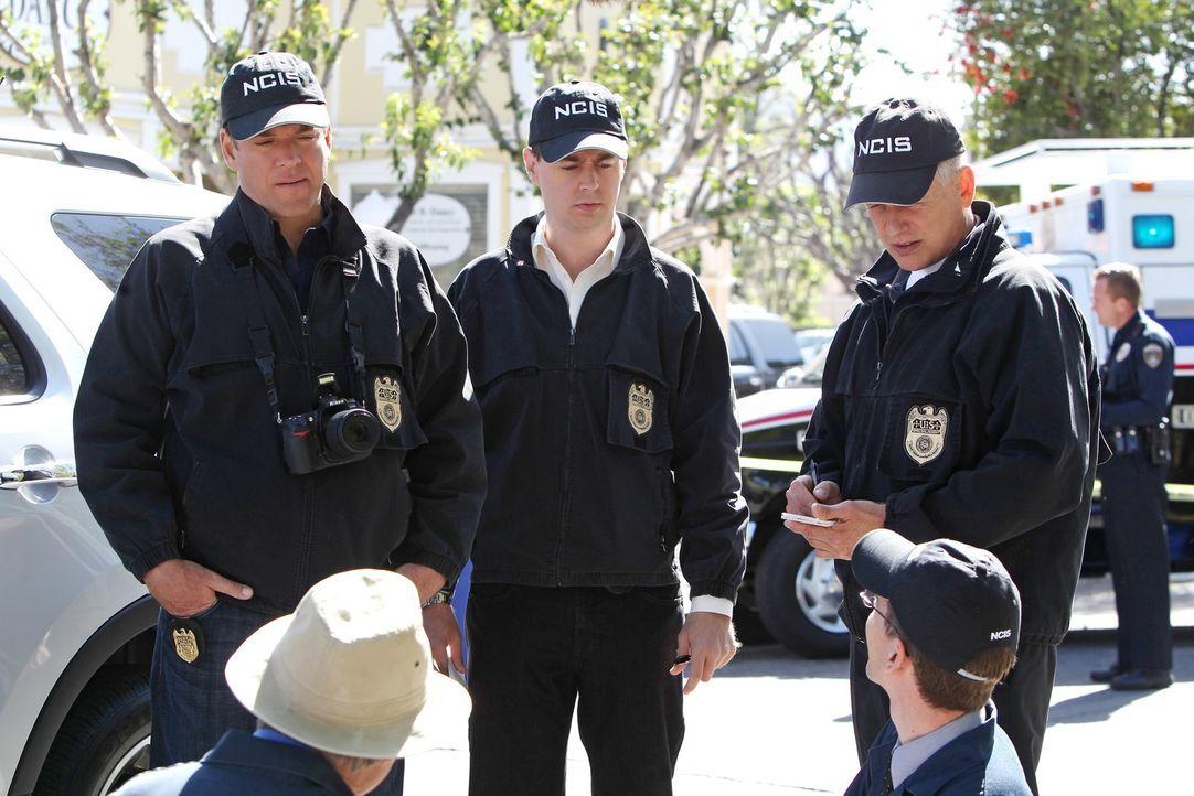 Ihr neuer Fall stellt sie vor große Herausforderungen: DiNozzo (Michael Weatherly, l.), McGee (Sean Murray, M.) und Gibbs (Mark Harmon, r.) ... - Bildquelle: CBS Television