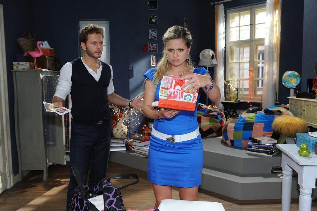 Enrique (Jacob Weigert, l.) versucht Mia (Josephine Schmidt, r.) von ihrem Plan abzubringen. - Bildquelle: SAT.1
