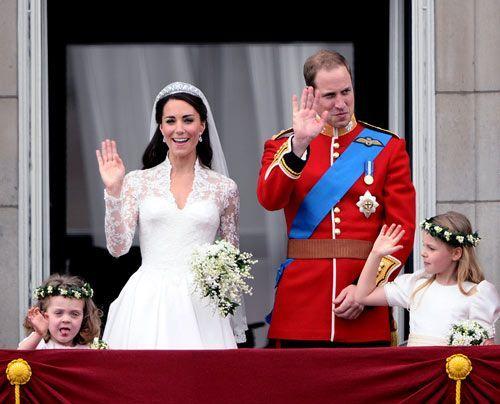 William-Kate-Balkonauftritt-06-11-04-29-500_404_AFP - Bildquelle: AFP