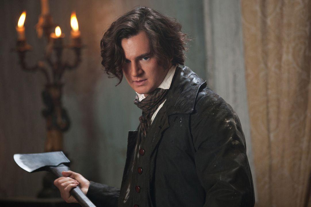 Heimlich lässt sich Abraham Lincoln (Benjamin Walker) zu einem Vampirjäger ausbilden. Bewaffnet mit einer Axt geht er auf eine blutige Jagd ... - Bildquelle: Alan Markfield 2012 Twentieth Century Fox Film Corporation. All rights reserved.