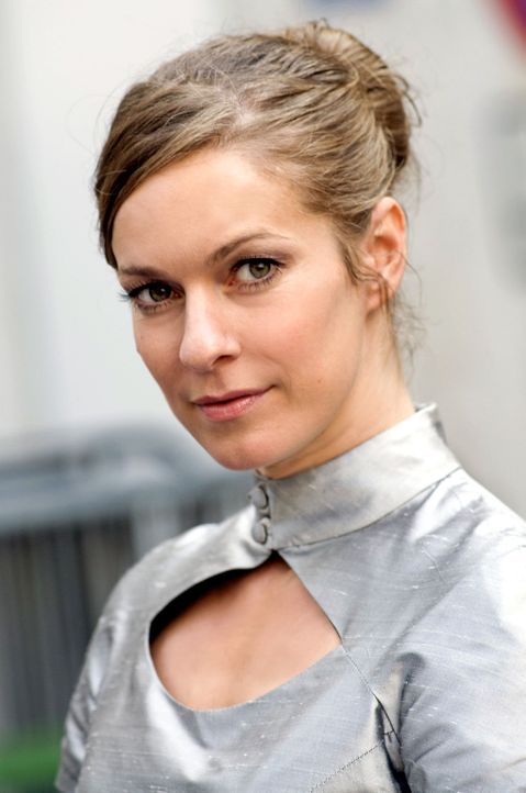 Lisa Martinek spielt Marie Rensberg - Bildquelle: Jacqueline Krause-Burberg Sat.1