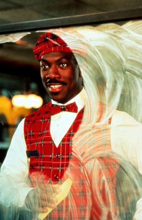 Prinz Akeem (Eddie Murphy) verliebt sich in Lisa. Um ihr näher zu kommen, arbeitet er als Kellner in dem Restaurant ihres Vaters. Der jedoch ist ge... - Bildquelle: Paramount Pictures