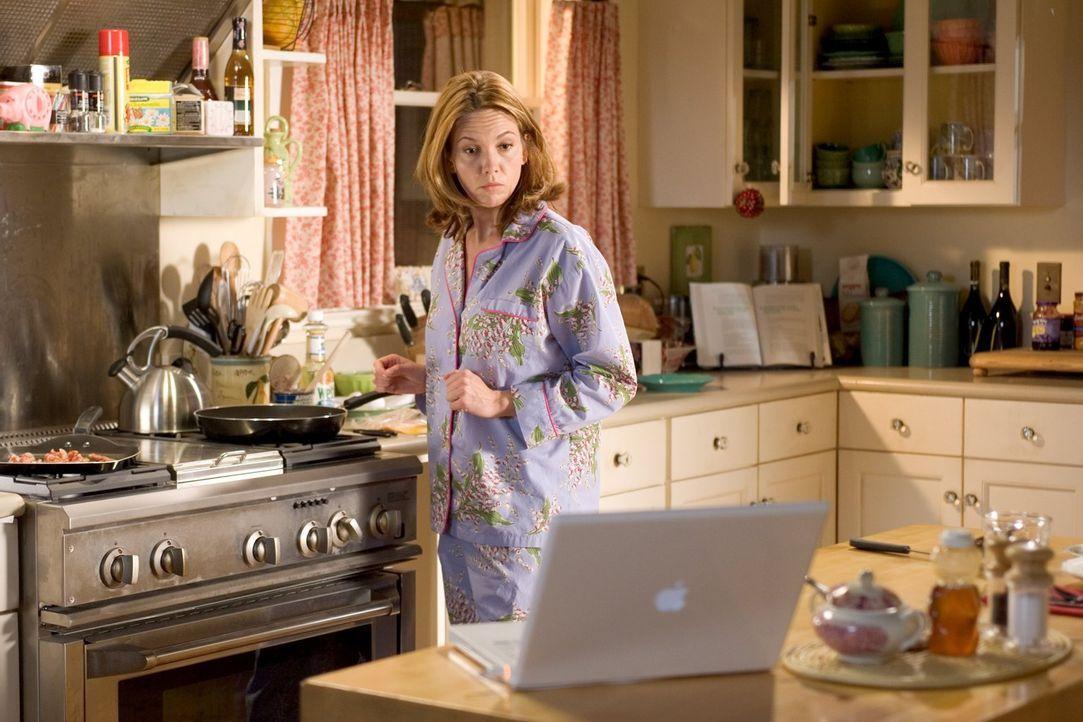 Weil sie frisch geschieden ist, möchte ihre Familie Sarah Nolan (Diane Lane) wieder an den Mann bringen. Und meldet sie deshalb auf einer Online-Dat... - Bildquelle: Warner Brothers