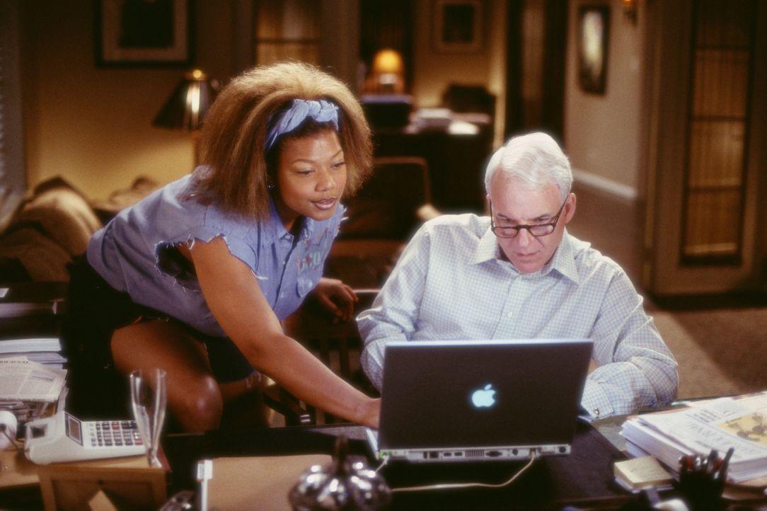 Trotz vieler Vorbehalte entwickelt sich zwischen dem snobistischen und erfolgreichen Anwalt Peter Sanderson (Steve Martin, r.) und Charlene (Queen L... - Bildquelle: Touchstone Pictures