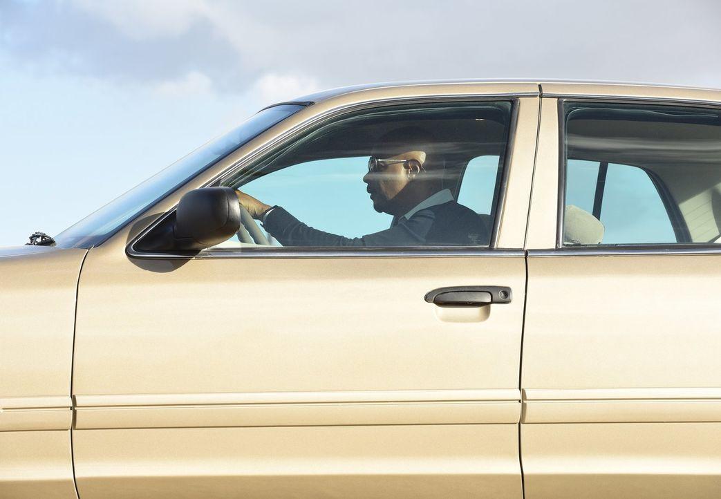 Während Murtaugh (Damon Wayans) im aktuellen Fall auf einen alten Bekannten trifft, versucht er seiner Tochter übervorsichtig das Autofahren beizubr... - Bildquelle: Warner Brothers
