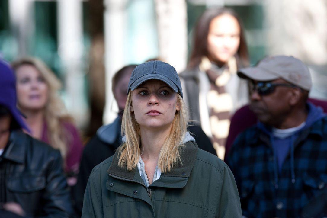Carrie (Claire Danes, M.) ist klar, dass kein Terrorist ganz alleine agiert ... - Bildquelle: 20th Century Fox International Television