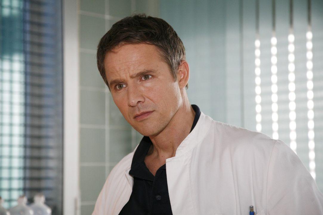 Dr. Stephan Roth (Andreas Brucker) - Bildquelle: Mosch Sat.1