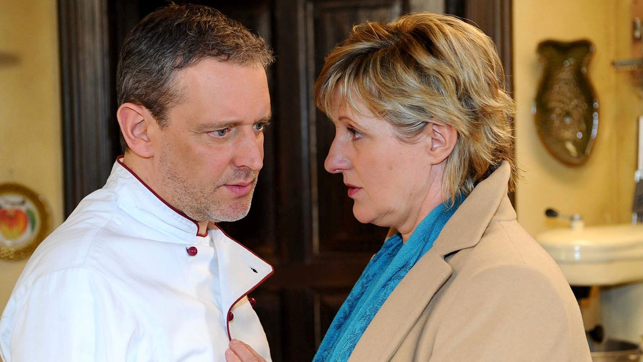 Anna-und-die-Liebe-Folge-680-04-Sat1-Oliver-Ziebe - Bildquelle: Sat.1/Oliver Ziebe