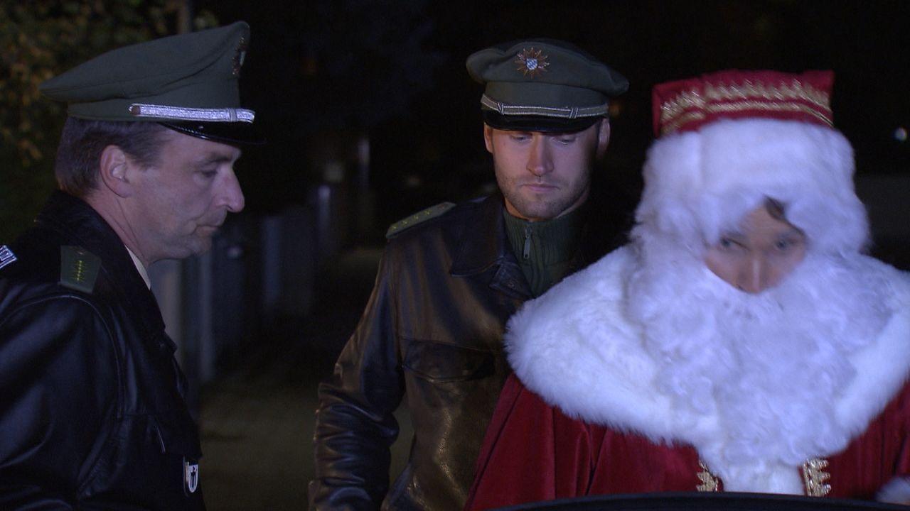 Wer-glaubt-schon-an-den-Weihnachtsmann3 - Bildquelle: SAT.1