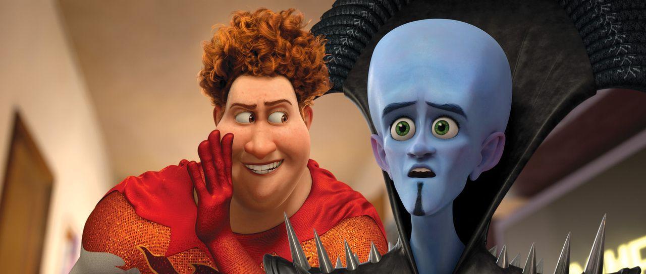 Plötzlich stellt sich die Frage, wer von beiden ist nun der Böse und wer der Gute - Titan (l.) oder Megamind (r.)? - Bildquelle: MEGAMIND TM &   2012 DreamWorks Animation LLC. All Rights Reserved.