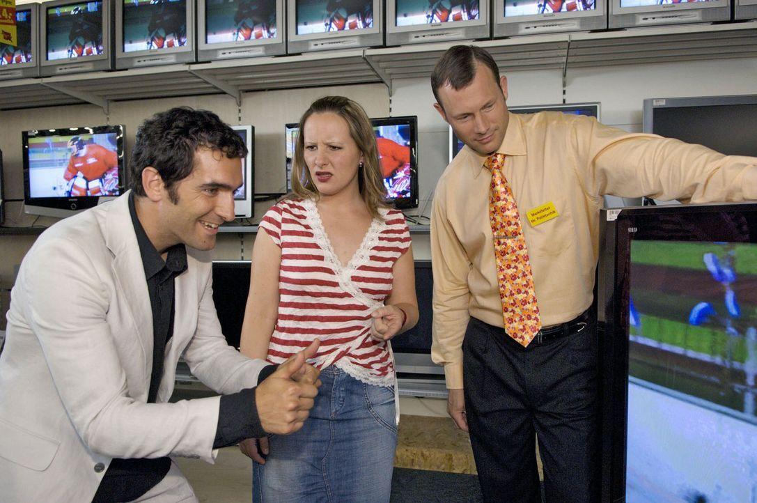 Abwarten - nach der WM werden auch die modernsten TV-Plasma-LCD-Hightech-Flach-Bildschirme für den Otto-Normal-Verbraucher erschwinglich. Aber eine... - Bildquelle: Sat.1