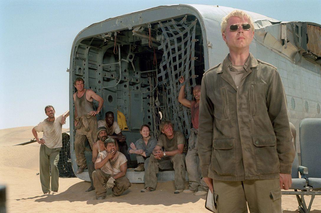 Elliott (Giovanni Ribisi, vorne) ist sich sicher, dass er die einzige Hoffnung des gestrandeten Flugzeugs ist. Doch werden (v.l.n.r.) Ian (Hugh Laur... - Bildquelle: 2004 Twentieth Century Fox Film Corporation. All rights reserved.