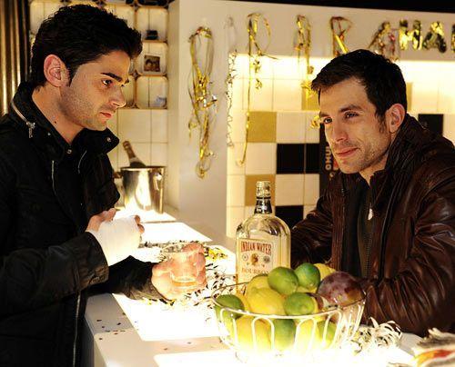 Michael entschließt sich, Sebastian zu helfen ... - Bildquelle: Christoph Assmann - Sat1