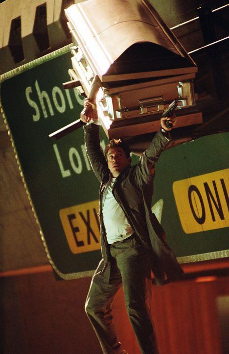 Im Kreuzfeuer mit Leiche im Gepäck: Harry (Robert Downey Jr.) ... - Bildquelle: 2015   Warner Brothers