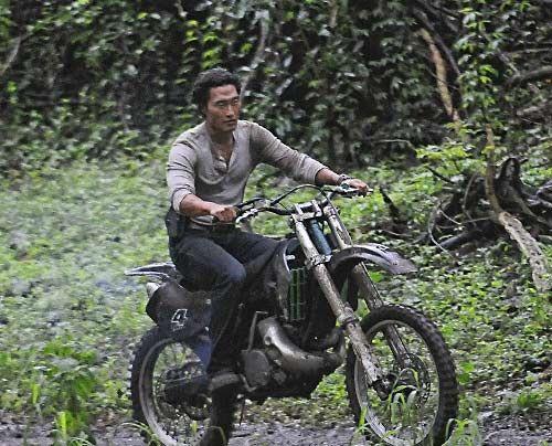 Chin (Daniel Dae Kim) und seine Kollegen geben alles, um Julie vor ihren Auftragskillern zu beschützen. - Bildquelle: CBS Studios Inc